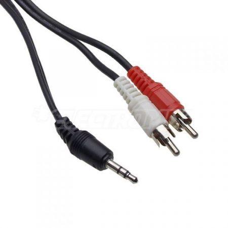 Audio kábel 2 RCA dugóval és 3,5mm sztereó jack dugóval szerelt.